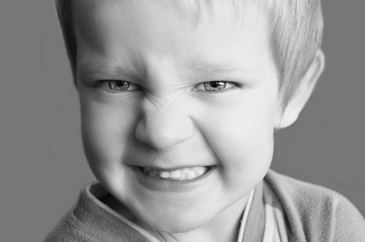 ¿Qué hacer si creo que mi hijo es agresivo?